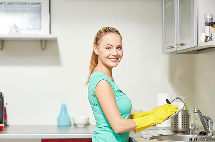 clean dishes kitchen